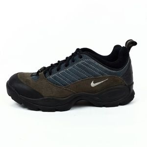 Nike ACG Low Trail Hiking Shoes Womens Size 10